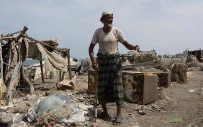 War Pushes Yemeni Employees Into Poverty