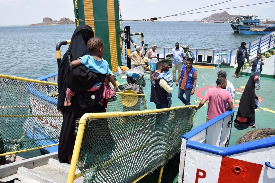 Amid danger, Somali refugees in Yemen return home